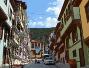 Afyonkarahisar'ın rengarenk tarihi evleri
