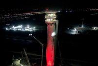 İstanbul Yeni Havalimanı'nda kule Türk Bayrağı'na büründü