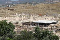 Denizli Buldan'da 2 bin yıllık mozaikli villa bulundu