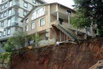Sancaktepe'de çökme riski olan 3 katlı bina boşaltıldı