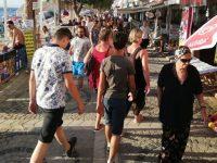 Avşa Adası'nda turist sayısı nüfusun 40 katını aştı