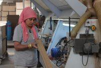 Kapı fabrikalarının kadın marangozları