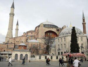 Ayasofya'nın ibadete açılması talebine yetkisizlikten ret