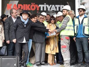 Kadıköy Tiyatro'nun temeli sanatçılarla atıldı