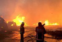 Esenyurt'ta 3 fabrikada yangın