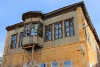 Bayburt'taki sivil mimari örneği olan konaklar restorede