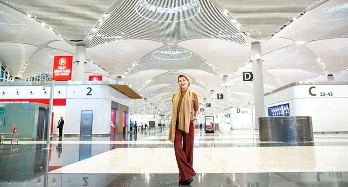 Gülse Birsel İstanbul Havalimanı'nda incelemelerde bulundu