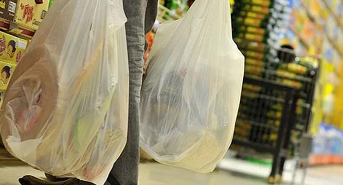 Plastik poşet ücretli olunca kullanımı yüzde 70 azaldı