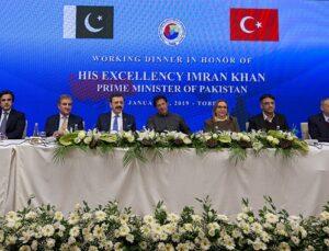 Türk müteahhitler Pakistan'da ciddi projelere imza atıyor