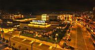 İzmir'deki Hilltown Karşıyaka AVM açıldı