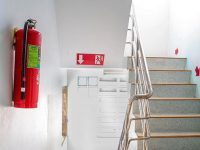 Yangın merdiveni kapısını kilitli tutmak hayati risk taşıyor
