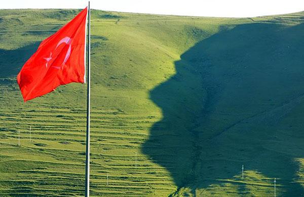 Ardahan'daki Atatürk silüeti görülmeye başlandı