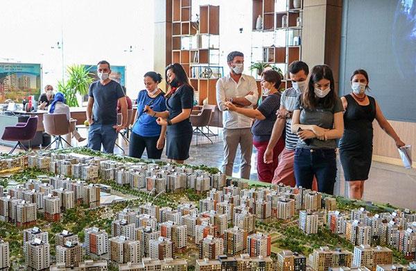 Bankalar ve tapu daireleri konut satışlarını bitiremiyor