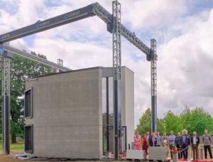 3D yazıcısı iki katlı gerçek bina inşa etti