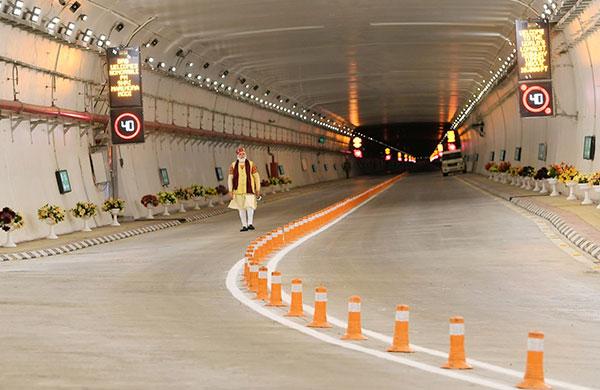 Hindistan'daki Atal Tüneli'ne Savronik katkısı