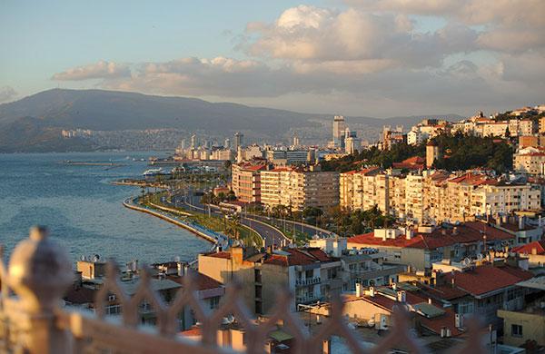 İzmir'de kira fırsatçıları harekete geçti
