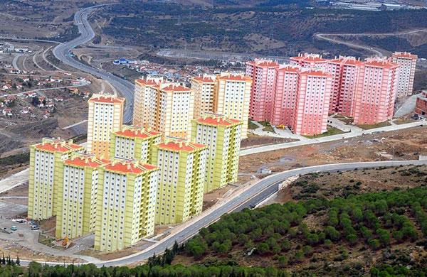 İzmir Uzundere'deki 224 daire depremzedelere tahsis edildi