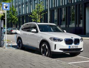 Yeni BMW iX3, 870 bin TL'ye Nisan'da Türkiye'de