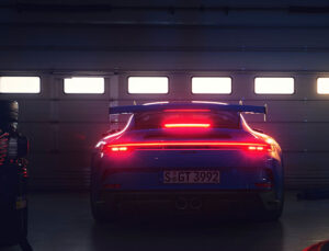 Yeni Porsche 911 GT3 pistten otobana geçti