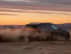 Taycan Cross Turismo Porsche'nin zorlu test programında