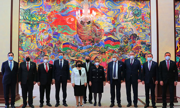 Türk müteahhitlere Karabağ'ın yeniden imarı için davet geldi