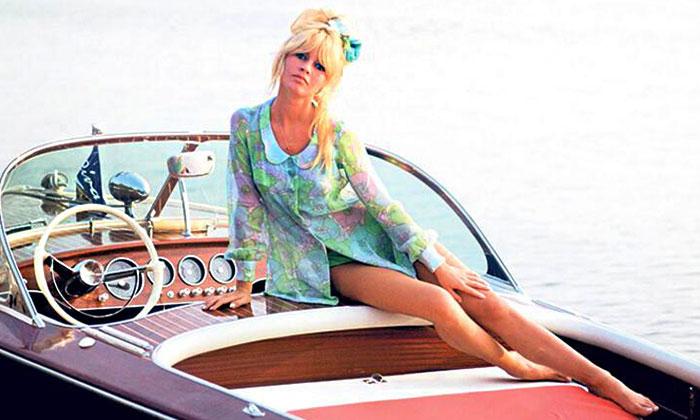 Ve Tanrı Kadını Saint Tropez'de yarattı
